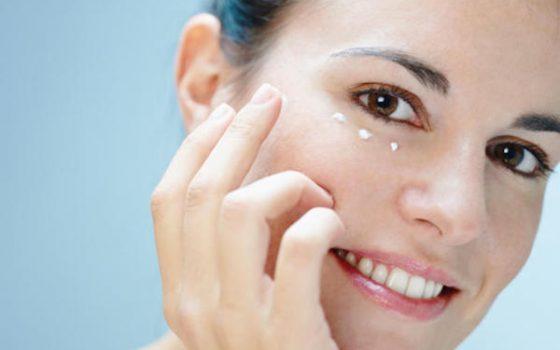Zmarszczki mimiczne – co na to kosmetologia?