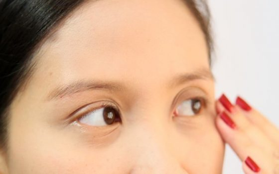Botoks a kremy na zmarszczki mimiczne na czole